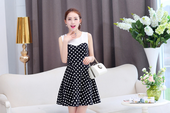 Đầm Xòe Chấm Bi Phối Ren Nổi Duyên Dáng giá rẻ